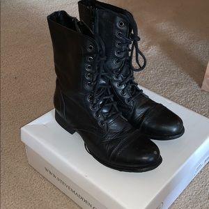 Steve Madden Women's Troopa Black Leather